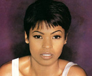 Nia Long To Play Whitney Houston In Biography Donnatella S Space