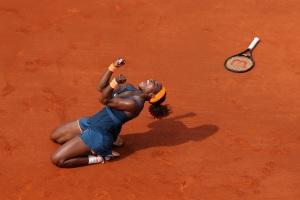 Selena celebrates her winning moment at Roland Garros