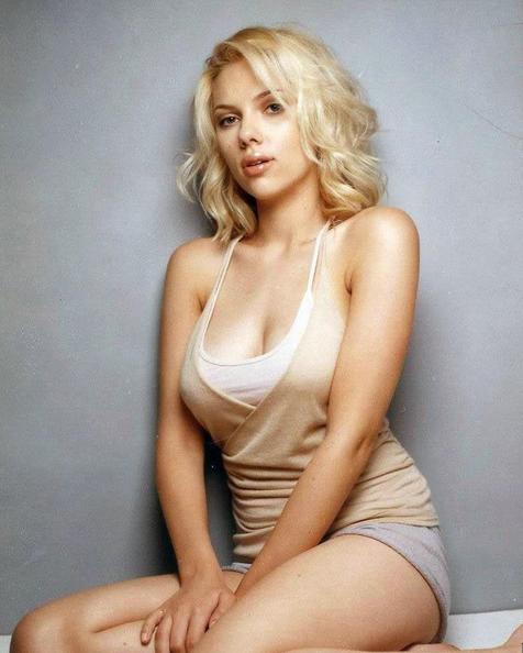 It's All About The Lips - Scarlett Johansson