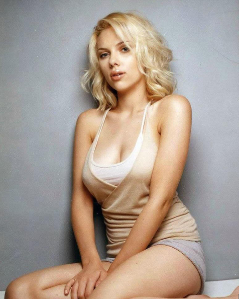 It's All About The Lips - Scarlett Johansson